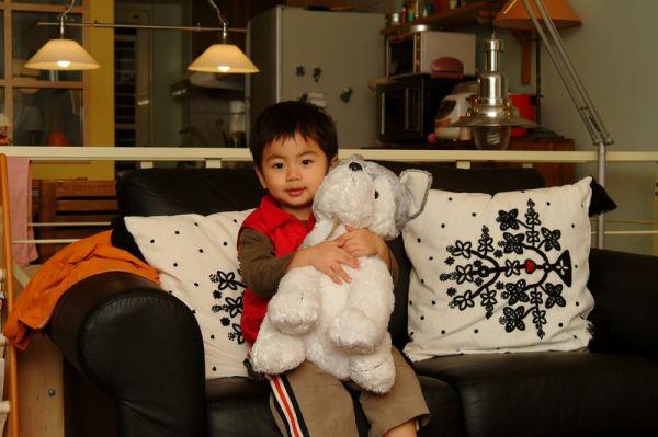 賢賢總是說要和狗狗睡。2007.11.02