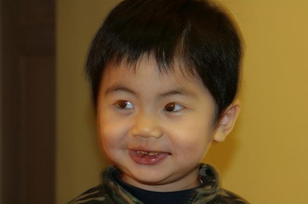 嘿嘿,吃巧克力喔。2007.11.12